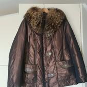 Зимний шикарный куртка-пуховик с натуральным мехом удлиненный на наш 54-56р состояние идеальное