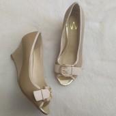 Стильные летние туфли с открытым носком