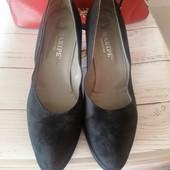 Жіночі туфлі, замш, великий розмір.