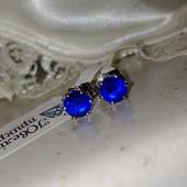 супер! очень красивые и нежные гвоздики, синие фианиты 6*6 мм, форма тюльпан, родий