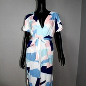 Качество! Красивое летнее платье с ассиметничным низом, в интересный принт, в новом состоянии