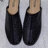 Шлепанцы чёрные на низком каблуке стелька