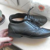 Кожаные туфли F&F с антебактериальной стелькой,состояние очень хорошее