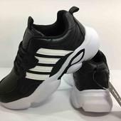 Классные, легкие, удобные кроссовки, кеды 36,37,38,39 размер, маломерят  (22см-24,5см) на шнурках