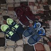 Лот обуви: кроссовки в отличном состоянии зеленые и две пары для двора