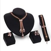 Набор Fashion Jewelry колье++серьги+кольцо+браслет
