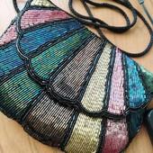 Шикарная, маленькая сумочка, расшита бисером.