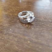 Очень красивое кольцо, серебро 925 и золото 375 ,вес и проба на фото .