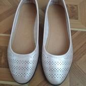 Туфлі-балетки без жодних дефектів 23 см