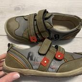 Кожаные кроссовки 34 размер стелька кожа с супинатором 22,5 см . Состояние отличное!