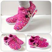 Кроссовки для девочки Disney с Led подсветкой при ходьбе.Размер ,30,31,32,33,34,,35