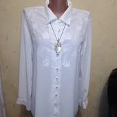 Белая блузка с рукавом 16/44 размера.