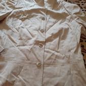 продам пиджак песочного цвета