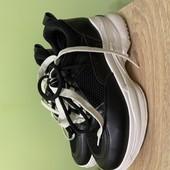 Жіночі кросівки, 36 р