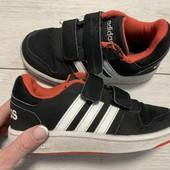 Кроссовки Adidas оригинал 30 размер стелька 19 см