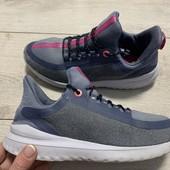легенькие кроссовки Nike 37 стелька 23,5 см