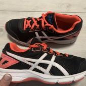 Отличные кроссовки Asics оригинал 35 размер стелька 22,5 см ( на бирке 22 см)