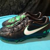 Черные бутсы, копочки Nike, разм. 35,5 (22,5 см по бирке). Сост. хорошее!