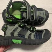 Отличные босоножки Bobbi Shoes 26 размер стелька 16 см