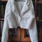 Белый джинсовый пиджак