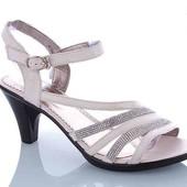 Женские стильные кожаные туфельки  на каблуке высота каблука 8 см
