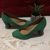 Туфлі із натуральної замші,від Minelli,розмір 37,устілка 24