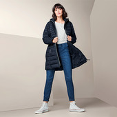 Стеганое пальто с капюшоном от Tchibo (Германия), р.38евро