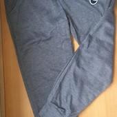 Спортивные штаны для девочки, на рост 146.Смотреть замеры