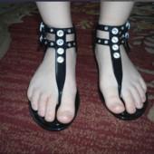 Незаменимая обувь для моря речки селиконовые римлянки!В лоте размер38!Почта 5%скидк