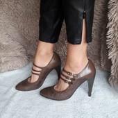 туфлі з трендовим каблуком nine west 25.5