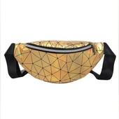 Новая голографическая сумка- бананка 19,5*10 см.