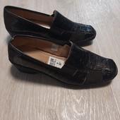 Фирменные, практичные, удобные,легкие весенние туфли!!!