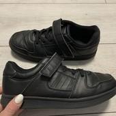 Отличные кроссовки VTY 36 размер стелька 23 см.