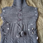 Очень красивая и теплая жилетка для маленькой модницы.