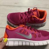 Кроссовки Nike оригинал 39 размер стелька 24,5 см .