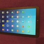 Планшет Samsung Galaxy Tab e 9.6 gold brown