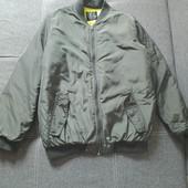 Шикарная куртка- бомпер деми, цвет хаки. Состояние отличное. Укрпочта скидка 10%.