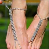 Очень красивый браслет на ногу кристаллы в три ряда