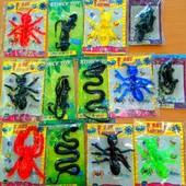 Мега лот!!! 13 штук: Лизуны (черные) + Растягивающиеся насекомые