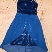 Шикарное платье с пайетками-перевёртышами,в новом состоянии,на девочку 10-11 лет