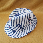 новая детская шляпка в морском стиле