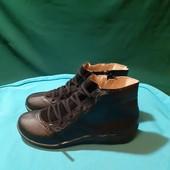 Новые черные деми ботинки, разм. 36 (23 см внутри). Сток.