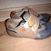 Ботинки на мальчика 30размер