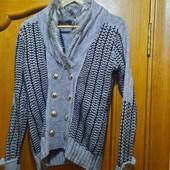 Теплый вязаный свитер р.М