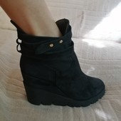 Осенние ботинки на платформе 40 размер