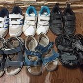 Лот обуви кроссовки, сандали