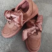 Замшевые стильные кроссовки,слипоны 23,5 см