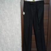 Фирменные новые мужские брюки р.30-31