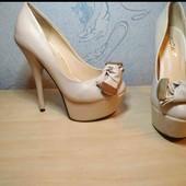 Шикарные туфли для золушки. на стопу 22 см