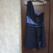 Фирменное новое красивое платье с пояском р.16, нюанс.